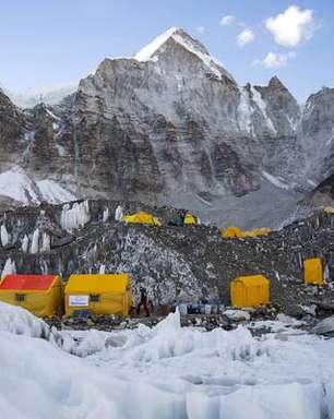 Surto de Covid-19 atinge acampamento base do Monte Everest