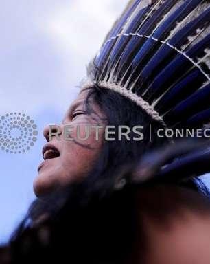 Justiça suspende investigação contra líder indígena por críticas ao governo