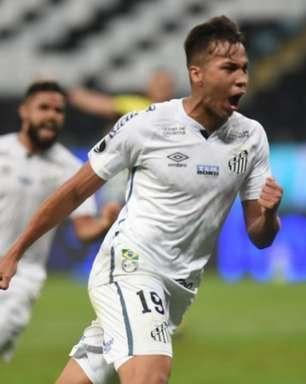 Kaio Jorge deve ser titular no clássico contra o Palmeiras