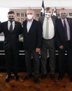 Conselheiros fazem abaixo-assinado pedindo a saída de vice-presidentes: 'Pelo bem do nosso Botafogo'