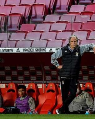 Jorge Jesus critica arbitragem em empate com o Porto: 'Muitas decisões que foram sempre contra o Benfica'
