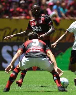Flamengo e Palmeiras são multados pelo STJD por confusão na Supercopa: Abel é suspenso