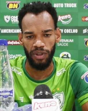 """AMÉRICA-MG: Anderson comenta força do setor defensivo do clube e reconhece importância da classificação para a final: """"Importante na carreira de todos"""""""