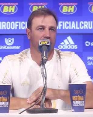 """CRUZEIRO: Felipe Conceição analisa rendimento de sua equipe, cita padrão e base definida: """"hoje enfrentamos qualquer equipe de igual para igual"""""""