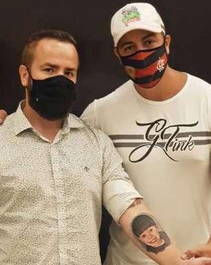 Pai de Henry Borel faz tatuagem em homenagem ao filho