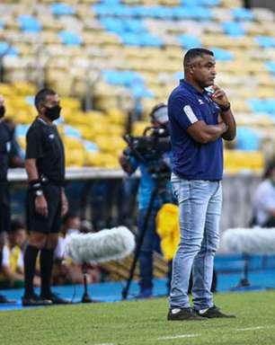 Roger exalta evolução de garotos do Fluminense, lamenta desgaste antes da final e desconversa sobre Miguel