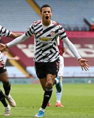 Manchester United sai perdendo, mas vira partida contra Aston Villa