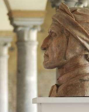 Cidade faz leitura eterna da 'Divina Comédia' na tumba de Dante