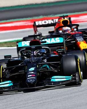 """""""Tenho que tirar o melhor de mim a cada fim de semana"""", diz Hamilton após vitória na F1"""