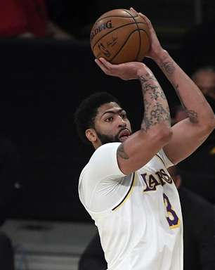 Anthony Davis lidera em vitória do Lakers sobre Suns