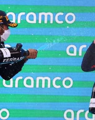 """Hamilton conta que aprendeu """"muito sobre Verstappen"""" durante perseguição na Espanha"""