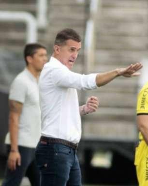 Mancini diz não ter time titular contra o Peñarol