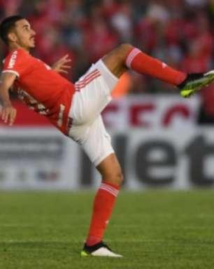 Thiago Galhardo lamenta derrota pela Libertadores
