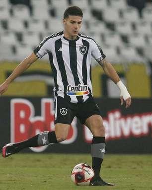 Romildo se diz bem fisicamente e vê melhora no Botafogo antes de jogo com o Vasco: 'Vejo o grupo evoluindo'