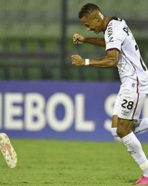 Sul-Americana: Athletico-PR vence o Metropolitanos fora de casa