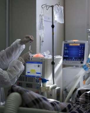 Remédio para artrite reduz em 37% risco de morte por covid