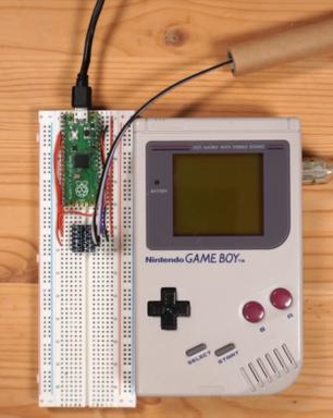 Game Boy modificado permite jogar Tetris em multiplayer online