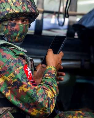 Junta de Mianmar declara lei marcial em cidade após ataques a banco e polícia
