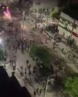 ATLÉTICO-MG: Correria e bombas no entorno do estádio marcam partida contra o América de Cali