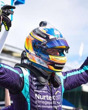 Grosjean coroa recuperação impactante com pole só 5 meses após acidente no Bahrein