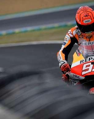 Marc Márquez afasta Savadori e lidera treino 3 em Le Mans. Yamaha sofre na pista molhada
