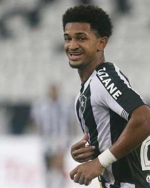 Warley deve ser mantido na lateral do Botafogo para final da Taça Rio contra o Vasco