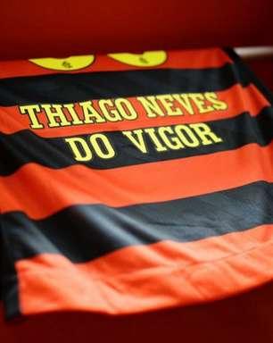 Sport divulga camisas do elenco com sobrenome 'Do Vigor' após ataques homofóbicos contra ex-BBB Gilberto