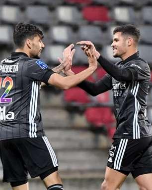 Com dois gols e uma assistência de Lucas Paquetá, Lyon vence o Nîmes e segue na luta por vaga na Champions