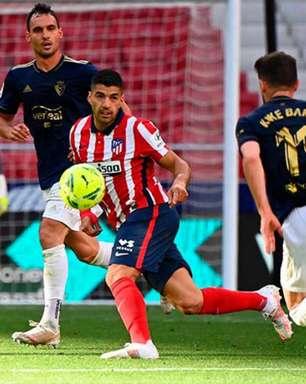 Atlético vira com gol de Suárez no fim e entra na última rodada na ponta do Espanhol