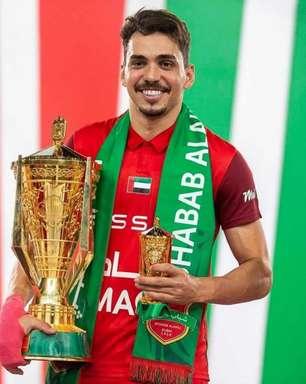 Empilhando troféus, Carlos Eduardo conquista mais um título no Oriente Médio