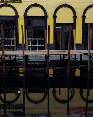 Já assolada pela pandemia, Manaus agora sofre com inundações