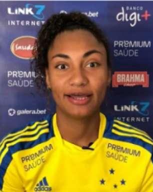 Zagueira Mayara supera problemas de saúde e foca na reação do Cruzeiro no Brasileiro Feminino