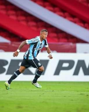 Após participação em gol no Gre-Nal, Léo Pereira valoriza momento e fala em foco para duelo decisivo
