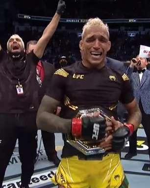 Campeão do UFC, corintiano Charles Do Bronx cutuca rival: 'Sou maior que o Palmeiras. Tenho mundial'