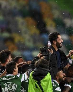 Técnico campeão com o Sporting afirma que permanece no clube