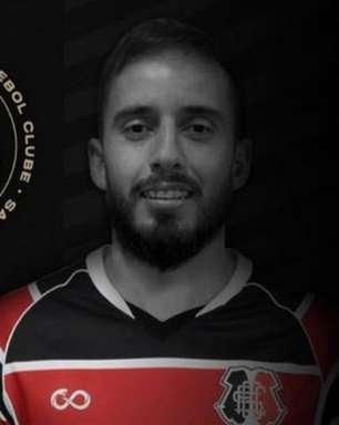 Santa Cruz anuncia jogador com foto de atleta errado nas redes sociais; veja as imagens