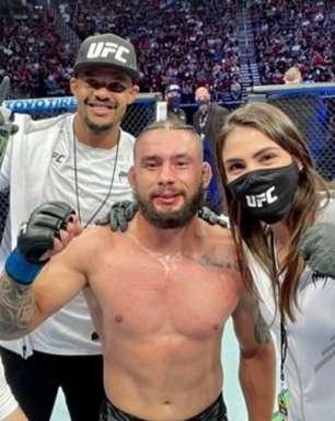 Rogério Bontorin vibra com importante vitória no UFC 262 e pede adversário do Top 10 em próxima luta