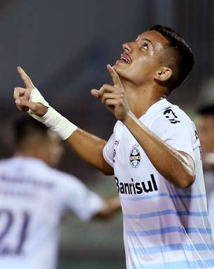 Grêmio vence e confirma vaga nas oitavas da Sul-Americana