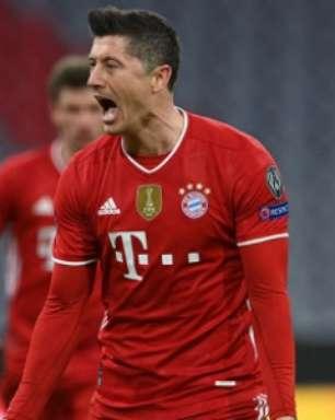 Artilheiro da Bundesliga com 41 gols, Lewandowski atingiu marca histórica; veja golaços do craque