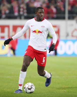 Liverpool deve pagar multa pela contratação de Konaté