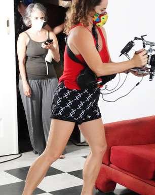 Juliana Linhares dança em clipe produzido em plano sequência
