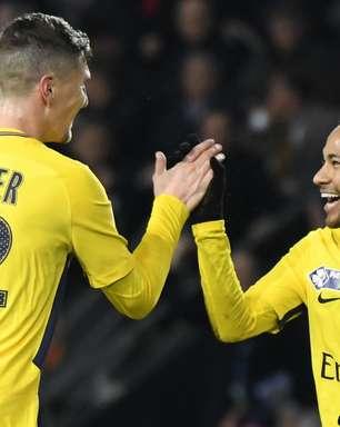"""Ex-colega de PSG brinca sobre Neymar: """"Ele não se joga em restaurantes"""""""