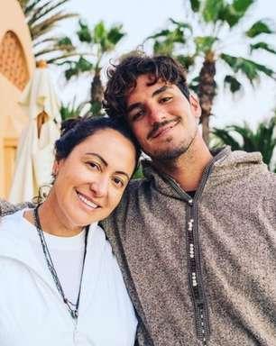 """Mãe de Medina detona torneio: """"Parem de pensar em dinheiro"""""""