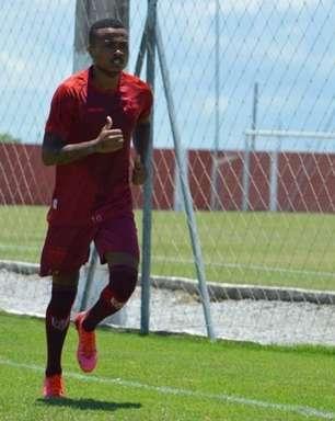 No CRB, Erik quer grande segundo semestre no clube e foca em decisões contra o Palmeiras na Copa do Brasil