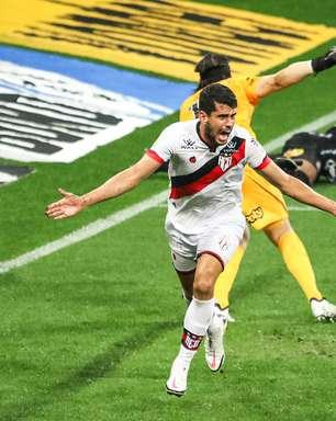 Corinthians perde para o Atlético-GO na estreia de Sylvinho
