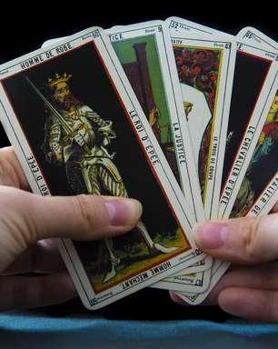Saiba como atrair riqueza e oportunidades com o tarot