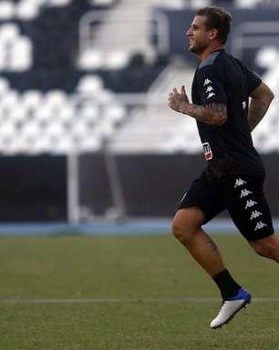 Cinco anos após primeira tentativa, Botafogo dá fim a busca por atacante e confia em Rafael Moura
