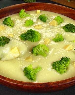 Caldo de couve-flor e brócolis para uma refeição nutritiva