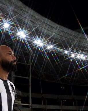 Pelas redes sociais, Chay comemora gol marcado pelo Botafogo: 'Espero que seja o primeiro de muitos'