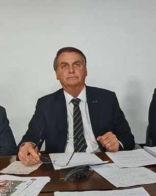 """Bolsonaro chama Doria de """"hipócrita"""" após ameaça de multa"""